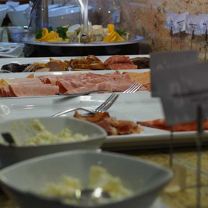 Frühstück am Büffet