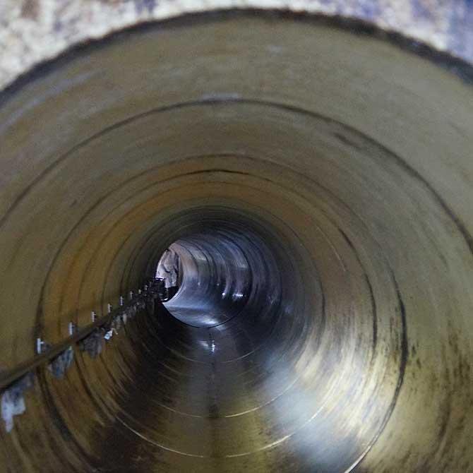 Das Kanalrohr hat keinen großen Durchmesser