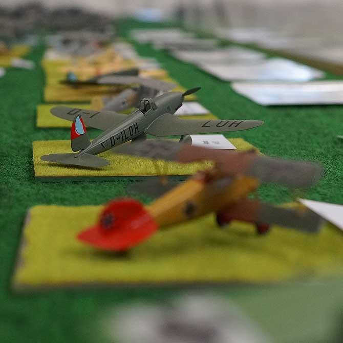 Flugzeuge in klein