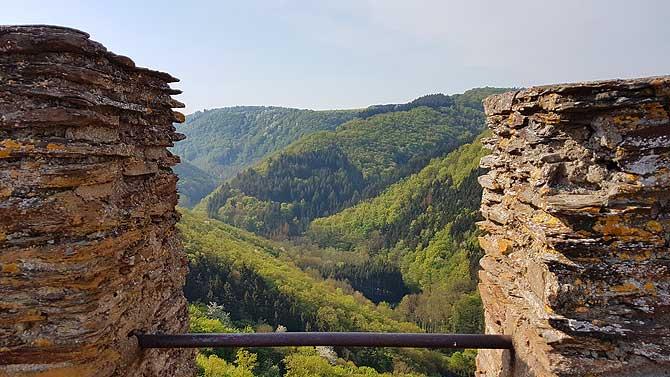 Ausblick von der Ehrenburg auf die Ehrbachklamm