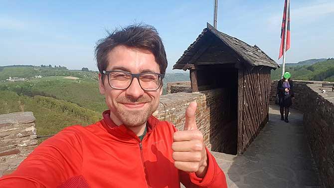 Ich oben auf der Ehrenburg Brodenbach