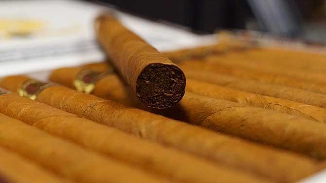 Auch für Nichtraucher riecht eine Zigarre schön würzig