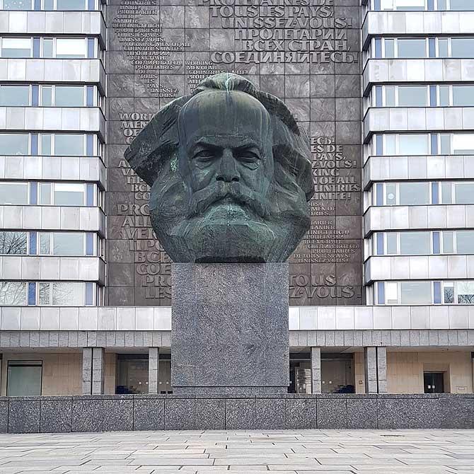 Karl Marx Denkmal Monument alias Nischel