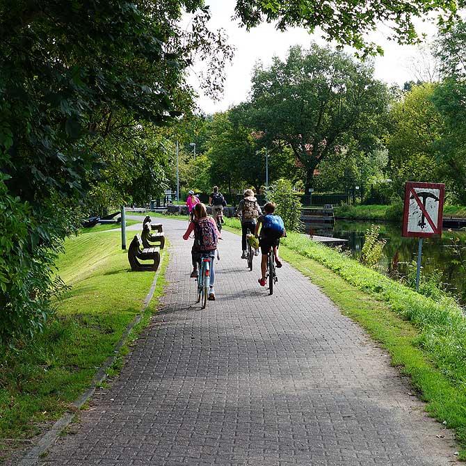 Radweg durch Emden