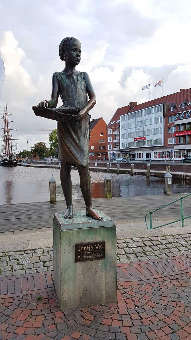 Fischermädchen Jantje Vis in Emden