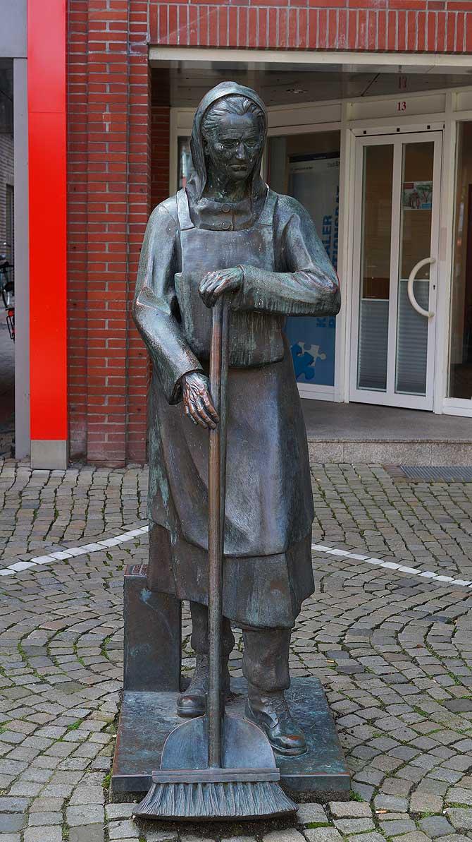 Straßenkehrerin Peterke aus Emden