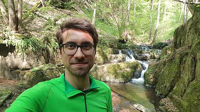Ich beim Geo Caching in Brodenbach am Donnerloch