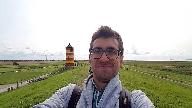 Ich am Pilsumer Leuchtturm