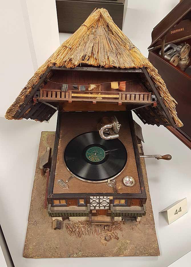 Schallplattenspieler im Kuckucks-Look