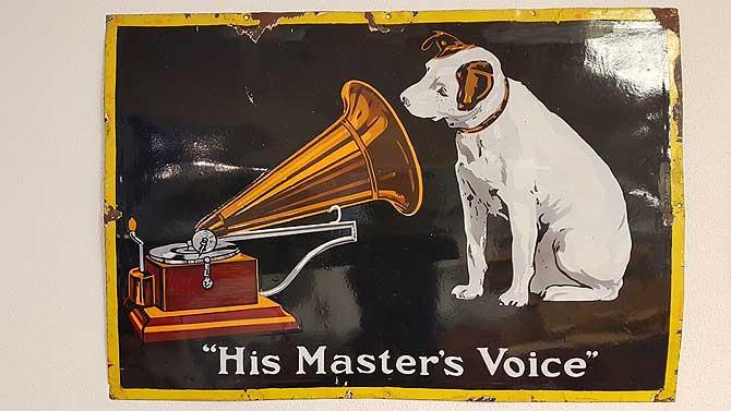 His masters voice mit Hund Nipper