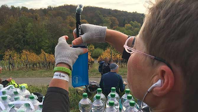 Wasser umfüllen und abfüllen