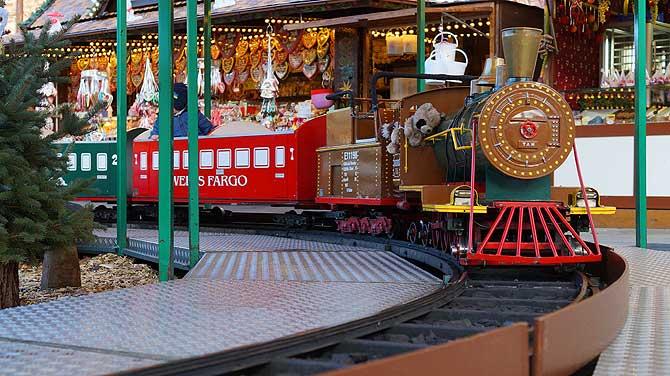 Bimmelbahn auf dem Weihnachtsmarkt
