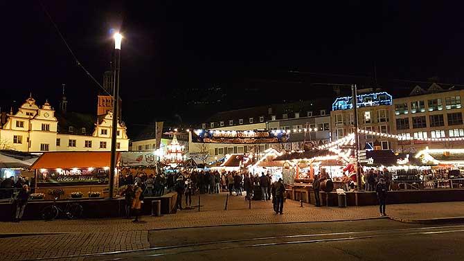 Weihnachtsmarkt auf dem Marktplatz Darmstadt