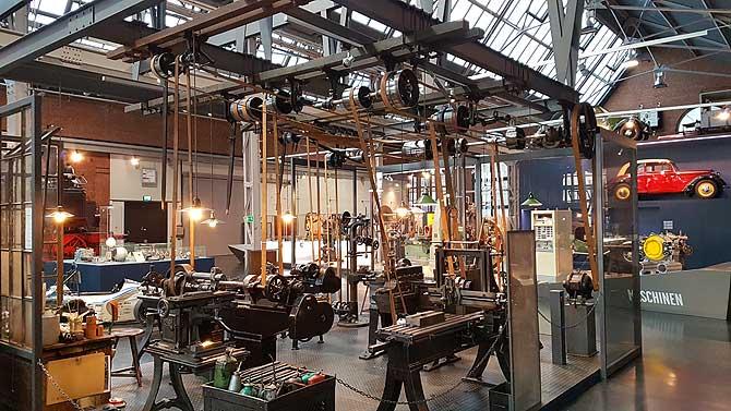 Ausstellung der Maschinenhalle im Industriemuseum Chemnitz