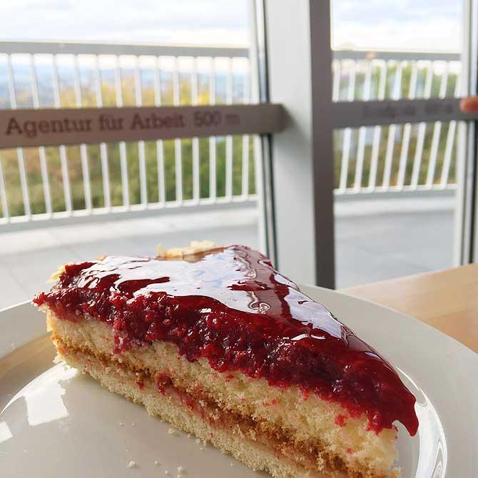 Himbeer Kuchen im Aachener Drehcafe