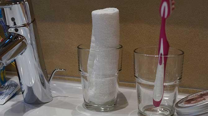 Handtuch nett angerichtet im Bad