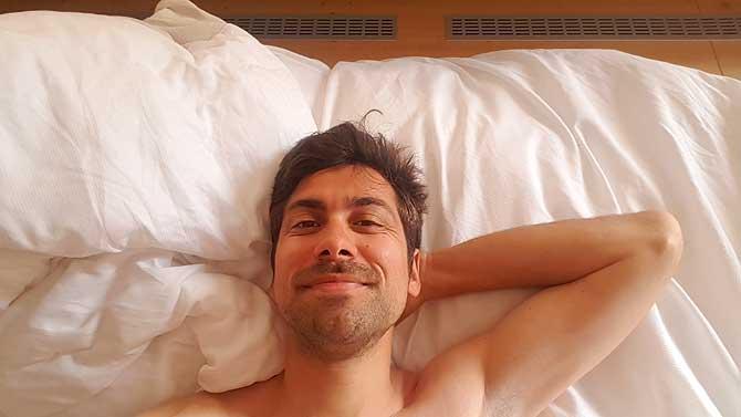 Ich im Bett im Hubertushof Hobbach