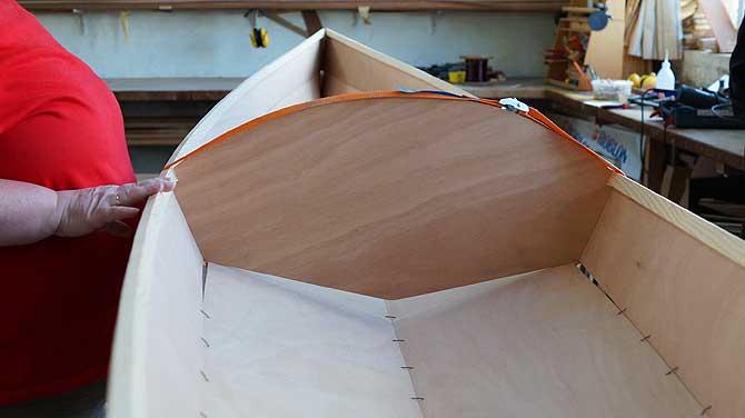 Rumpf des baldigen Holzbootes