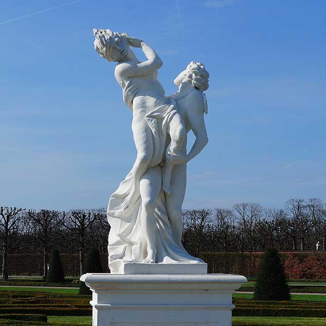 Amor ist eine der Statuen in den Herrenhäuser Gärten