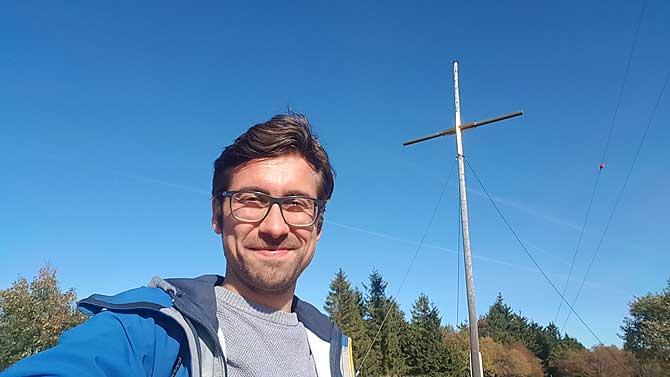Ich auf dem Gipfel von Kloster Kreuzberg