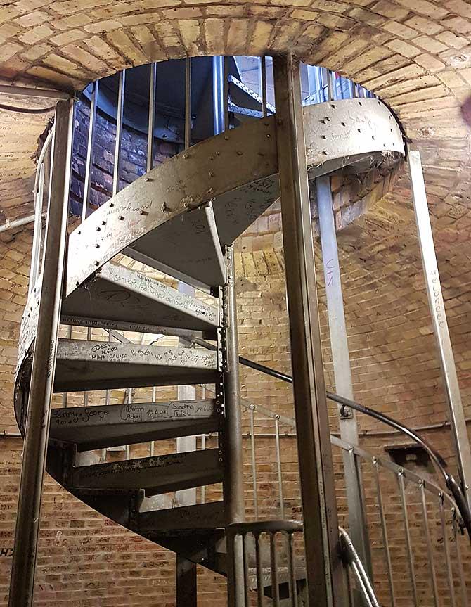 Wendeltreppe zur Aussichtsplattform