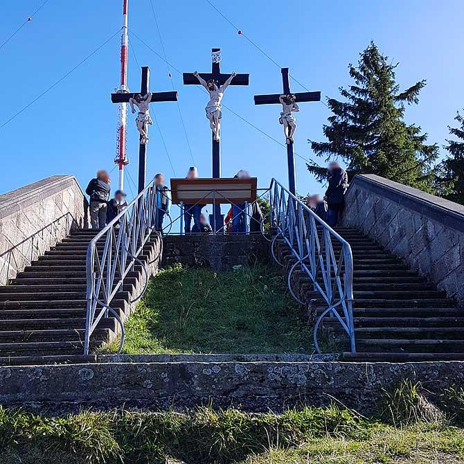 Über viele Stufen führt die Treppe nach oben