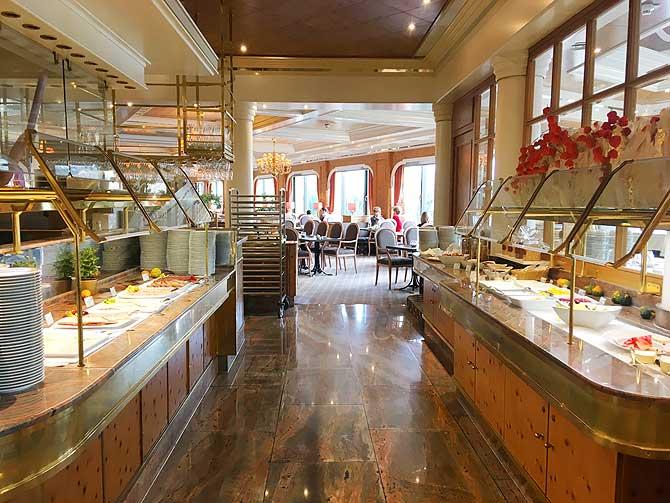 Frühstücksbuffet im Maritim Hotel Ulm