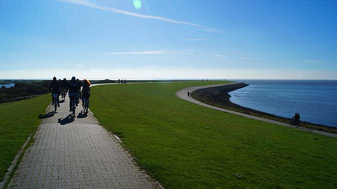 Rad fahren gehört zum Urlaub auf Norderney