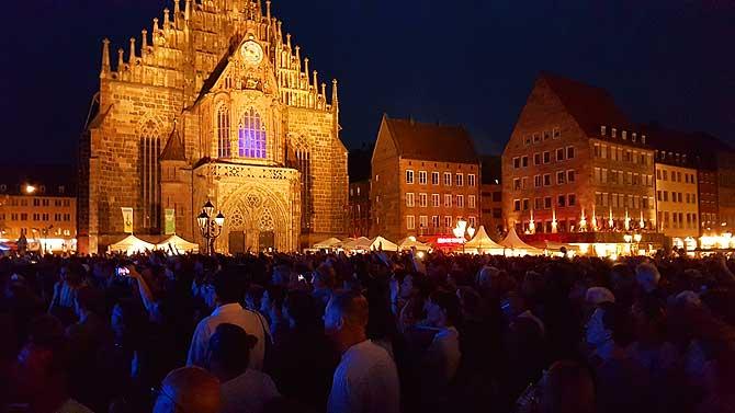 Bardentreffen auf dem Nürnberger Hauptmarkt