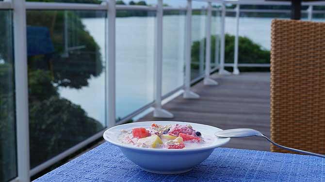 Frühstücken mit Seeblick