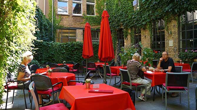 Innenhof Restaurant La Vigna