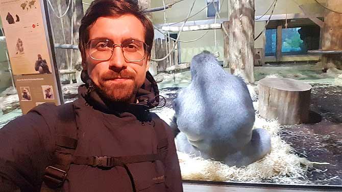 Ich im Berliner Zoo mit Gorilla