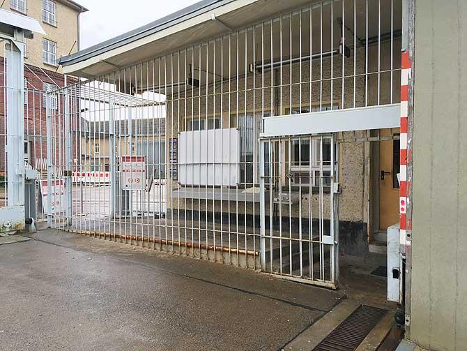Gefängnistore von Hohenschönhausen