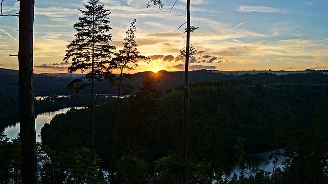 Sonnenuntergang an der Saaleschleife