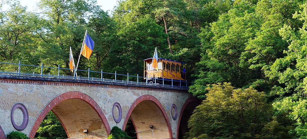 Die Nerobergbahn in Wiesbaden gilt als Wahrzeichen in Hessens Hauptstadt