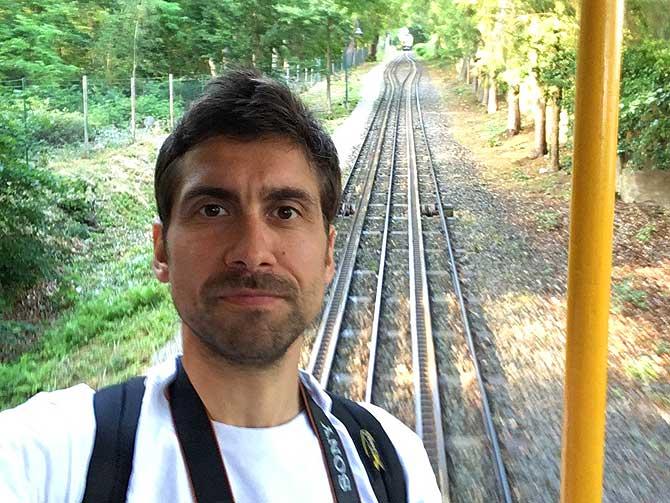 Ich noch etwas skeptisch in der Bergbahn