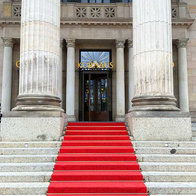Eingang zum Casino im Wiesbadener Kurhaus