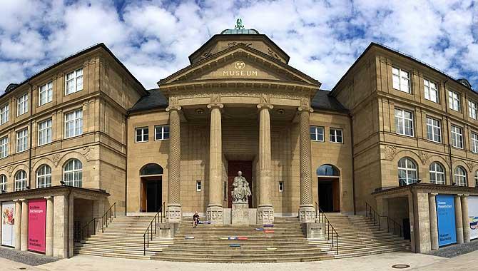 Museum Wiesbaden von aussen