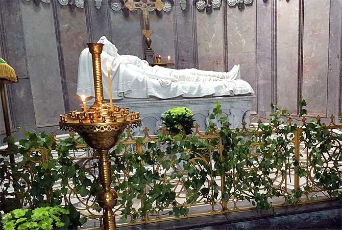Prinzessin Elisabeth in ihrem Marmorgrab