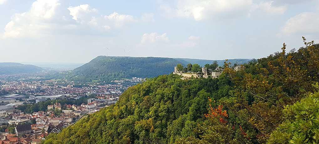 Während deiner Wanderung bei Geislingen Steige siehst du auch Burg Helfenstein