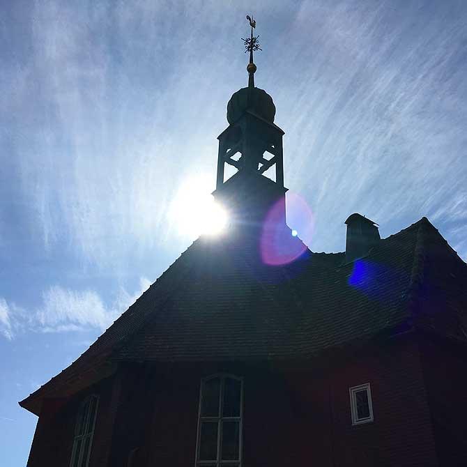 Michaelskirche Baiersbronn im Heiligenschein