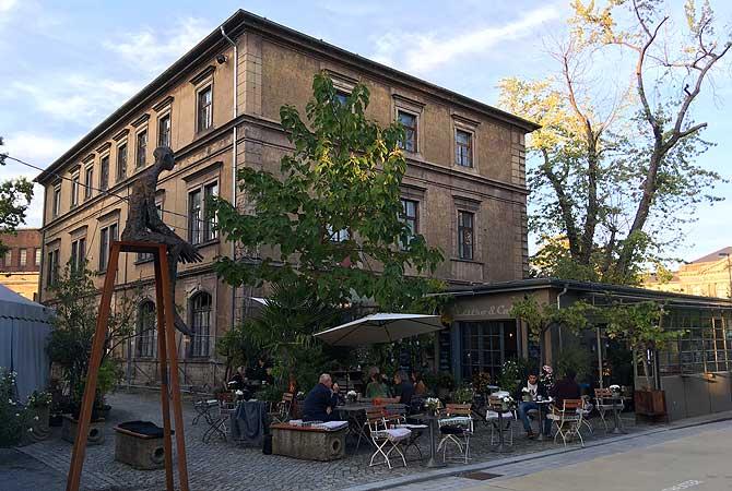 Kraftwerk Mitte Cafe Bistro T1
