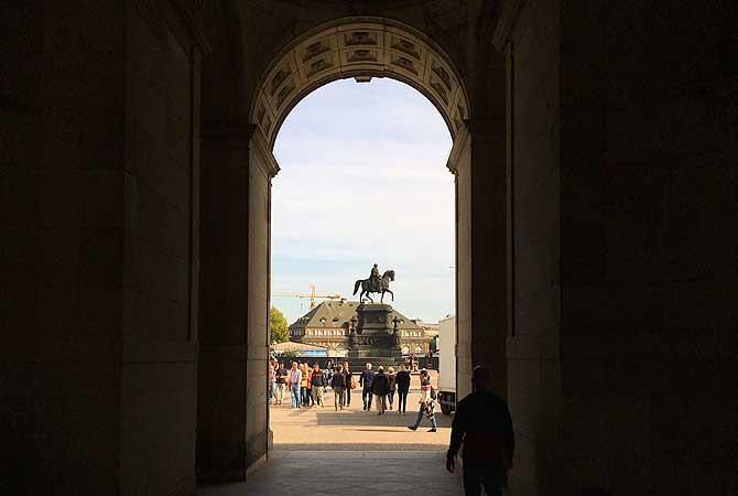 Zwinger Dresden Reiterstatue