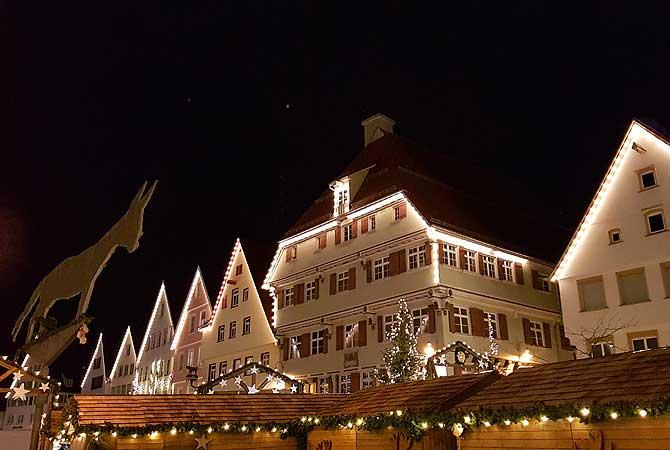 Beleuchtung der Häuser mit Biberacher Esel