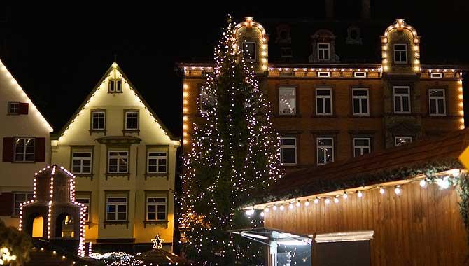 Tannenbaum auf dem Biberacher Christkindlesmarkt