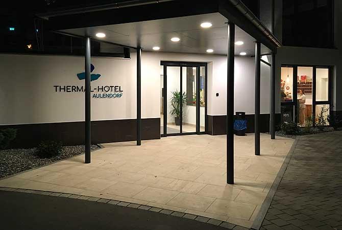 Eingang zum Thermenhotel Aulendorf