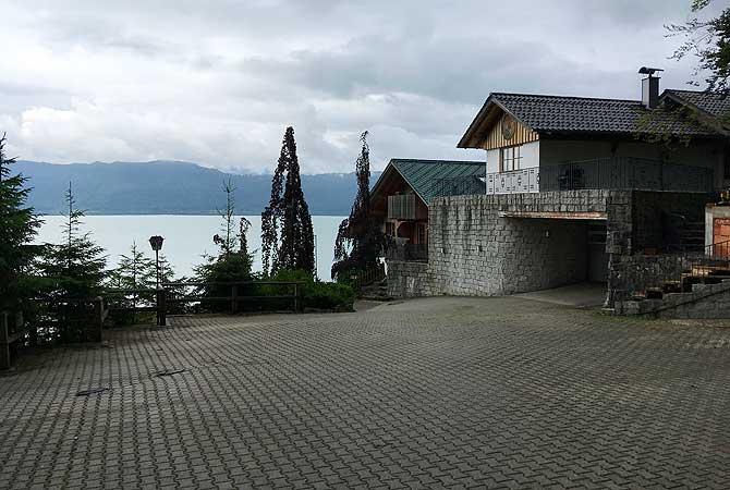 Parkplatz des Hotels am Walchensee