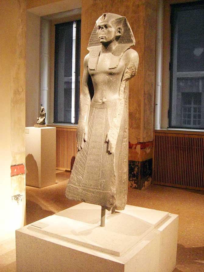 Stehende Sphinx