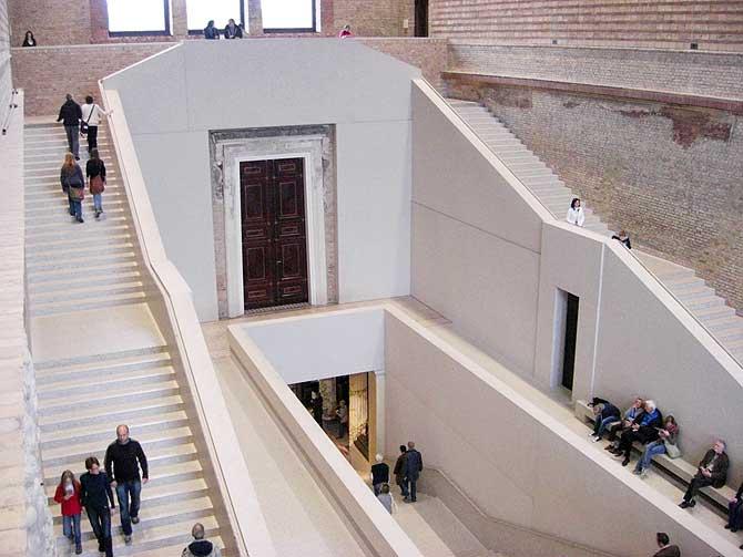 Neues Museum Berlin Treppe