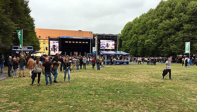 Schlossgarten Open Air Rasen und Bühne